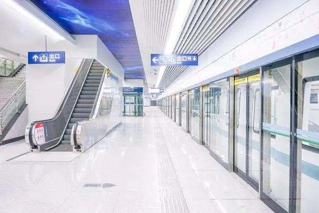 欧陆美居头头体育吊顶应用于武汉地铁8号线,助力经济复苏蓬勃发展